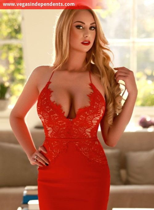 Independent escort Carol
